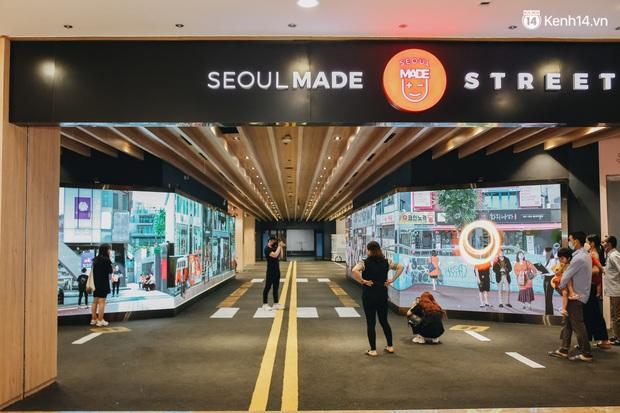 Những hình ảnh mới nhất của SMTOWN Hà Nội ở khu tổ hợp Hàn Quốc rộng 2.500m2, người qua lại lác đác - Ảnh 6.