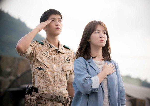 6 ngọc nữ phim Hàn sở hữu hội bạn trai màn ảnh xịn phát hờn: Nể nhất là tình sử của Song Hye Kyo đấy - Ảnh 5.