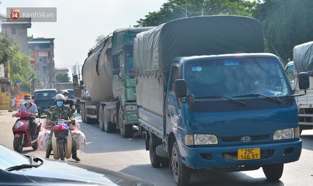 Đúng phút 89, chú rể Bắc Ninh đành ngậm ngùi quay xe, cùng cô dâu trở về Hà Nội do nhà trai trong khu vực dãn cách xã hội - Ảnh 8.