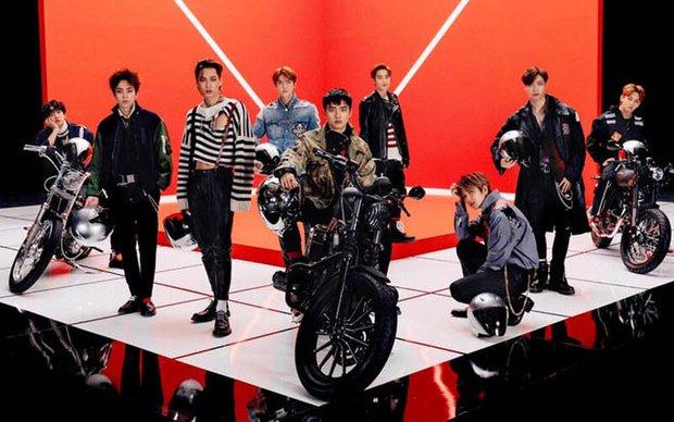 SM lại gặp biến: Nhạc sĩ nổi tiếng bị tố ăn cắp trắng trợn lời bài hát của học viên, kiếm tiền từ hit EXO, TWICE? - Ảnh 7.