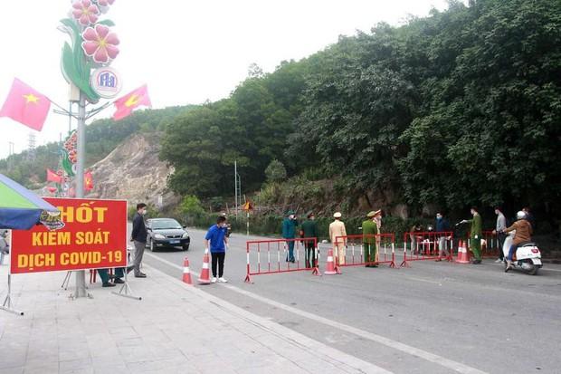 Vĩnh Phúc phong tỏa thị trấn Yên Lạc từ hôm nay - Ảnh 1.