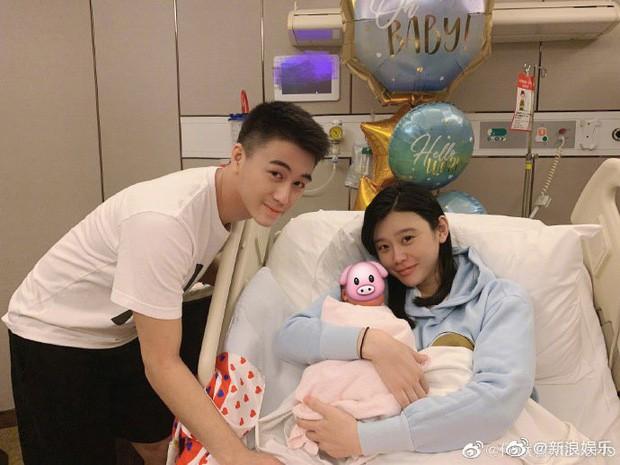Gia tộc sòng bạc Macau đón tin vui: Ming Xi chính thức tuyên bố mang bầu lần 2 khi tiểu quý tử đầu lòng mới 1 tuổi rưỡi - Ảnh 4.