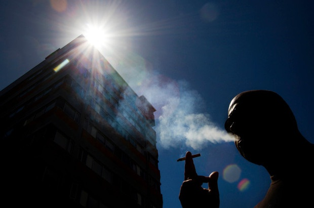 New Zealand cấm bán thuốc lá cho người sinh sau năm 2004 - Ảnh 1.