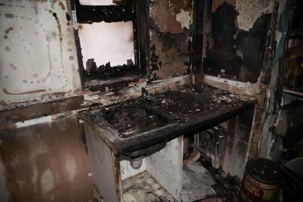 Đang đi làm thì hàng xóm gọi báo nhà cháy, người phụ nữ trở về chứng kiến cảnh tan hoang bắt nguồn từ món đồ gia dụng gia đình nào cũng có - Ảnh 2.