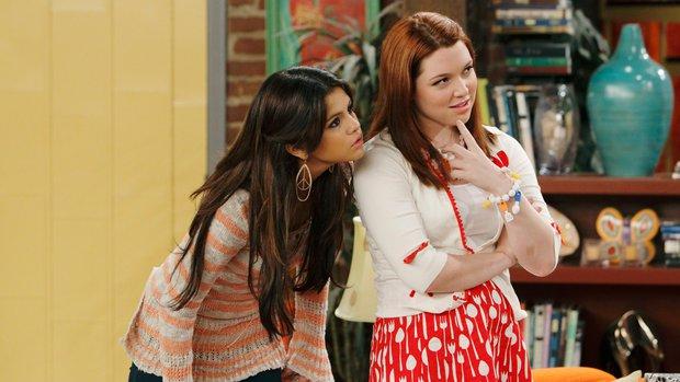 5 diễn viên nghỉ hưu ở đỉnh cao sự nghiệp: Khâm phục nhất bạn thân Harper của Selena Gomez giờ làm y tá tuyến đầu chống Covid-19! - Ảnh 7.