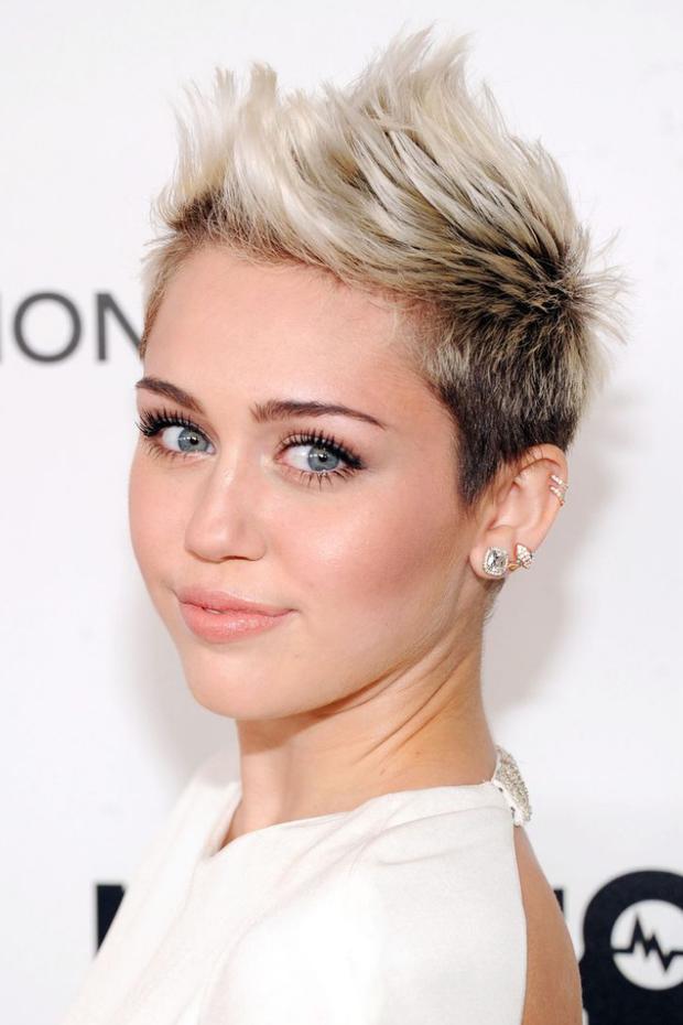 Tình yêu 10 năm xoay vòng Miley Cyrus: Lúc ngoan hiền lúc nổi loạn chấn động, nghi vấn Liam Hemsworth âm mưu kiểm soát - Ảnh 7.