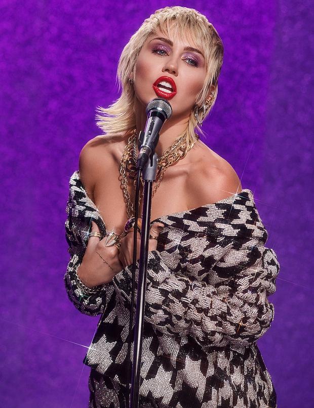 Tình yêu 10 năm xoay vòng Miley Cyrus: Lúc ngoan hiền lúc nổi loạn chấn động, nghi vấn Liam Hemsworth âm mưu kiểm soát - Ảnh 24.