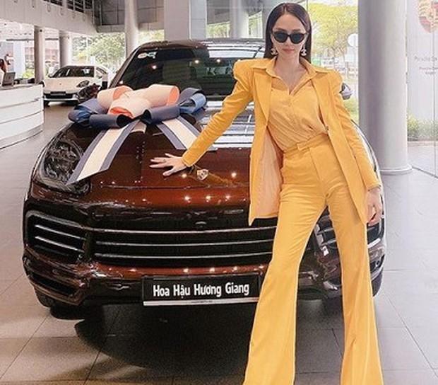 Dàn cầu thủ, nghệ sĩ 9X Việt sở hữu siêu xe tiền tỷ khi tuổi còn rất trẻ: Người sở hữu cả bộ sưu tập xế tới 21 tỷ, người chi cả chục tỷ đồng cho một chiếc xe ưng ý - Ảnh 5.