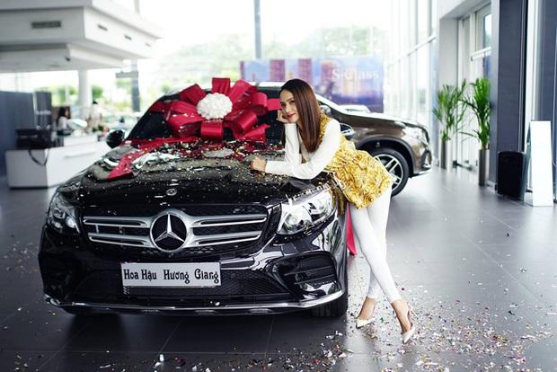 Dàn cầu thủ, nghệ sĩ 9X Việt sở hữu siêu xe tiền tỷ khi tuổi còn rất trẻ: Người sở hữu cả bộ sưu tập xế tới 21 tỷ, người chi cả chục tỷ đồng cho một chiếc xe ưng ý - Ảnh 6.