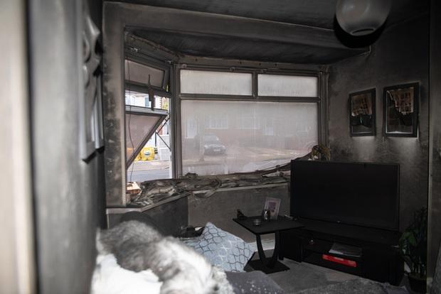 Đang đi làm thì hàng xóm gọi báo nhà cháy, người phụ nữ trở về chứng kiến cảnh tan hoang bắt nguồn từ món đồ gia dụng gia đình nào cũng có - Ảnh 7.