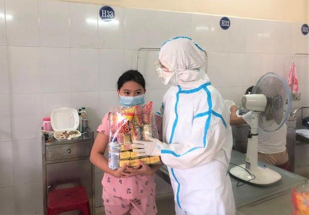 Ngày Quốc tế Thiếu nhi đặc biệt của các cháu bé mắc Covid-19 ở Đà Nẵng - Ảnh 4.