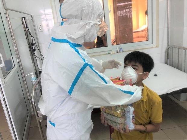Ngày Quốc tế Thiếu nhi đặc biệt của các cháu bé mắc Covid-19 ở Đà Nẵng - Ảnh 9.