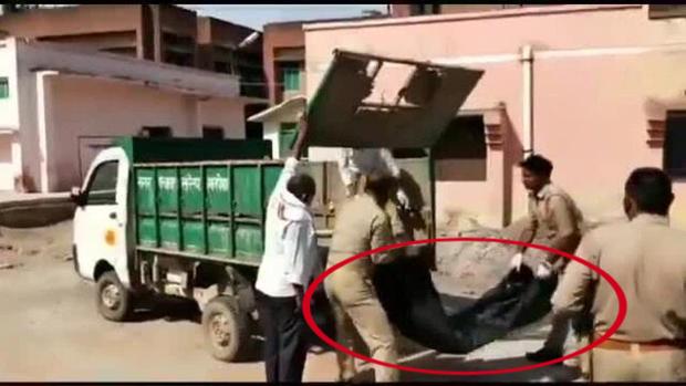 Cảnh sát vứt thi thể người chết lên xe chở rác, chi tiết sự thật phía sau còn gây phẫn nộ hơn thế - Ảnh 2.
