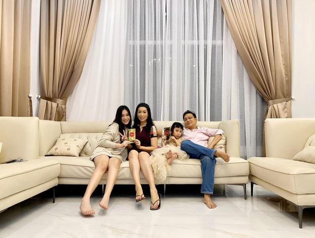 NSƯT Trịnh Kim Chi khoe biệt thự rộng 200m2 giá 10 tỷ, vị trí đắc địa gần 1 trường Đại học chỉ dành cho con nhà giàu - Ảnh 1.