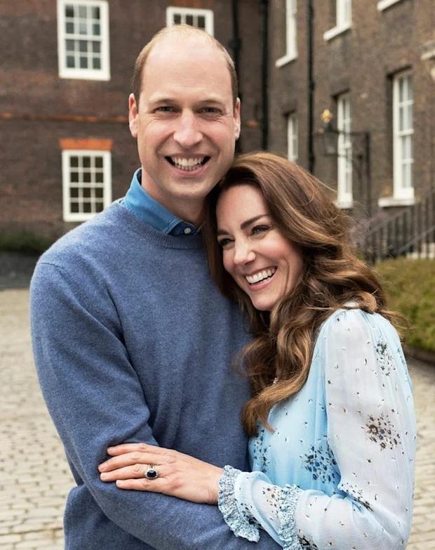 Công nương Kate được ca ngợi là viên ngọc quý của hoàng gia, khiến Meghan Markle phải nhìn lại vì sao mình lại bị xua đuổi đến vậy - Ảnh 1.