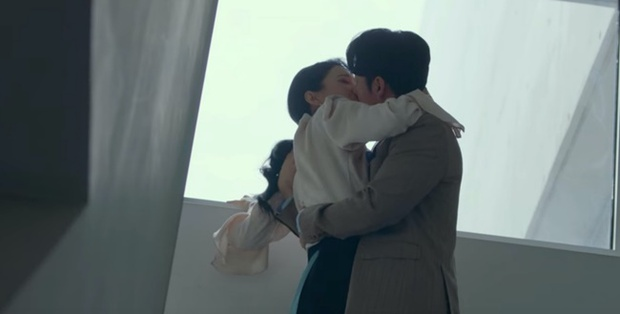 4 siêu drama Hàn khiến chị em xem rồi muốn ế cả đời: Mine, Penthouse chưa bằng trùm cuối - Ảnh 1.