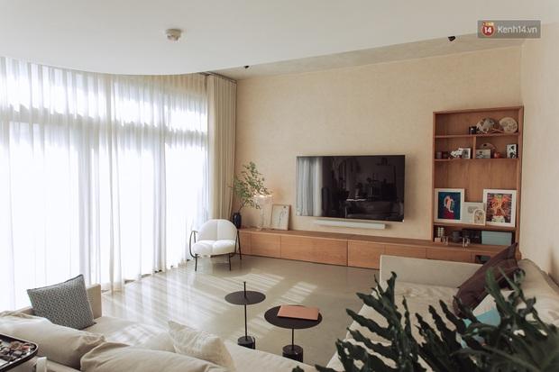 Cận cảnh penthouse 8 tỷ của Vũ Dino: Góc nào cũng chill, sofa hơn 100 triệu khiến khách chỉ muốn... làm biếng - Ảnh 4.