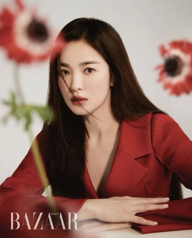 Tuyển tập phốt chấn động của Song Hye Kyo: Từ đại gia bao nuôi đến ngoại tình với bạn của chồng, sốc nhất lần cúi gập xin lỗi - Ảnh 6.