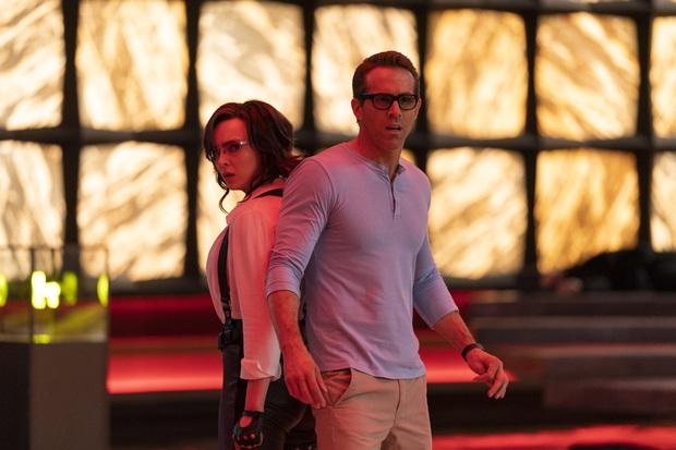 Deadpool Ryan Reynolds cặp kè mỹ nữ Anh Quốc, sống đi chết lại trong siêu bom tấn chuyển kiếp ly kỳ - Ảnh 4.