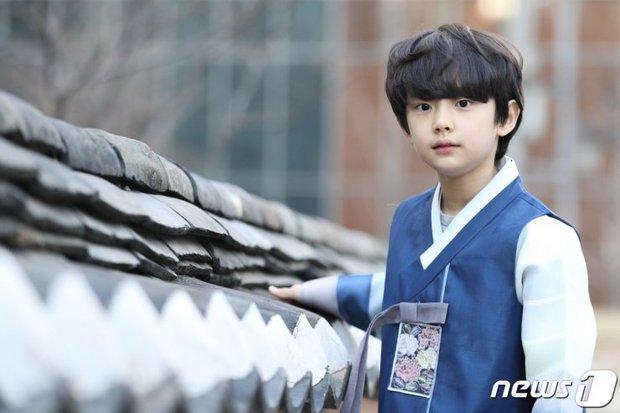 4 nhóc tì siêu cưng ở phim Hàn: Tiểu Lee Min Ho diễn cực đỉnh, 3 bé còn lại ai cũng muốn bắt về nuôi - Ảnh 6.