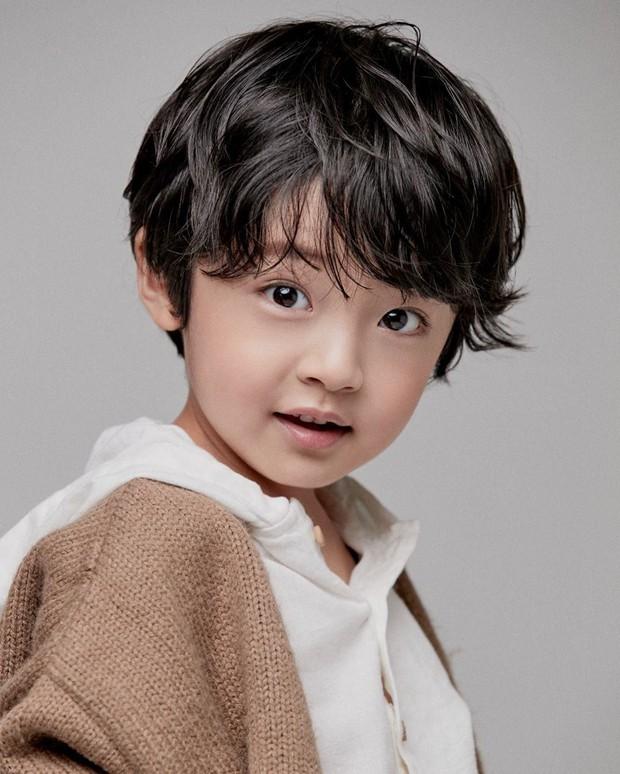 4 nhóc tì siêu cưng ở phim Hàn: Tiểu Lee Min Ho diễn cực đỉnh, 3 bé còn lại ai cũng muốn bắt về nuôi - Ảnh 17.