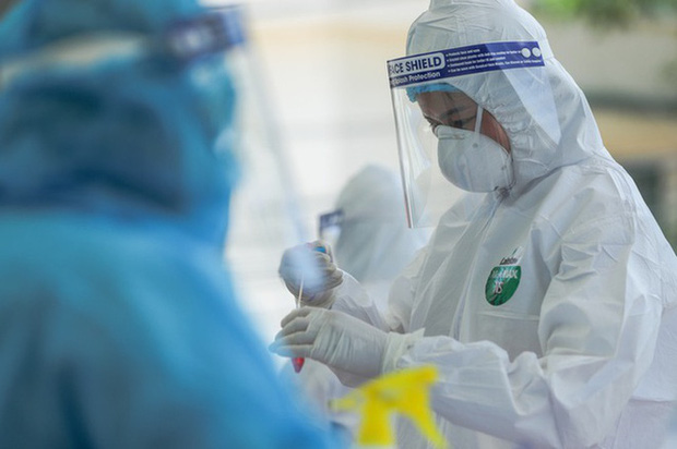 Thực hư về thiết bị xét nghiệm COVID-19 dùng nước súc miệng của CEO Nguyễn Tử Quảng: BV Bệnh Nhiệt đới Trung ương nói gì? - Ảnh 1.