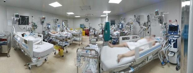 Sức khỏe những bệnh nhân Covid-19 nặng đang được điều trị tại BV Bệnh Nhiệt Đới hiện giờ ra sao? - Ảnh 1.