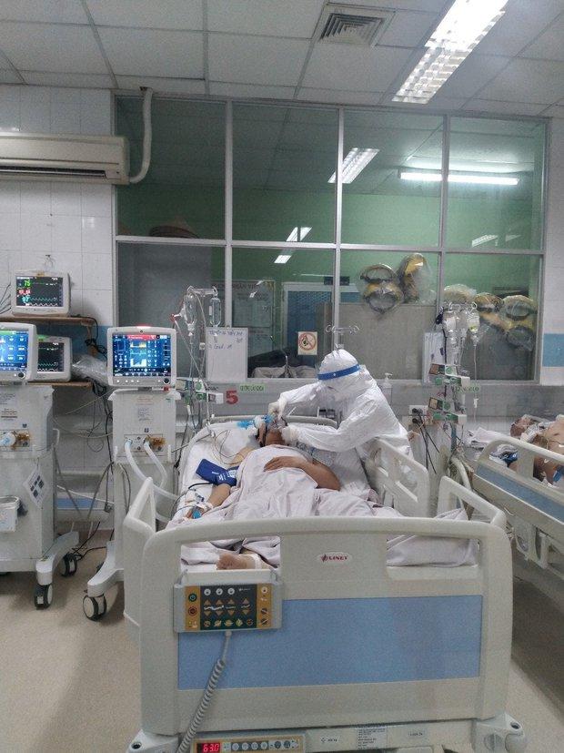 Sức khỏe những bệnh nhân Covid-19 nặng đang được điều trị tại BV Bệnh Nhiệt Đới hiện giờ ra sao? - Ảnh 3.