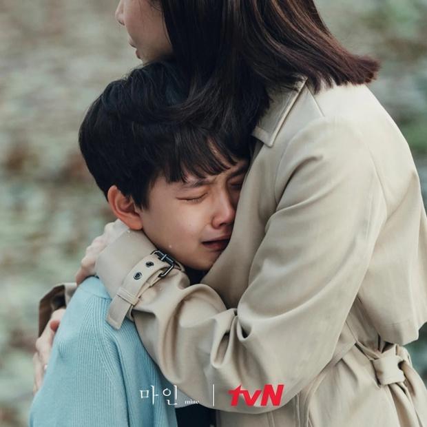 Phát sốt với profile con trai Lee Bo Young ở Mine: Diễn xuất cực đỉnh, 10 tuổi đã có phim thắng Oscar - Ảnh 2.