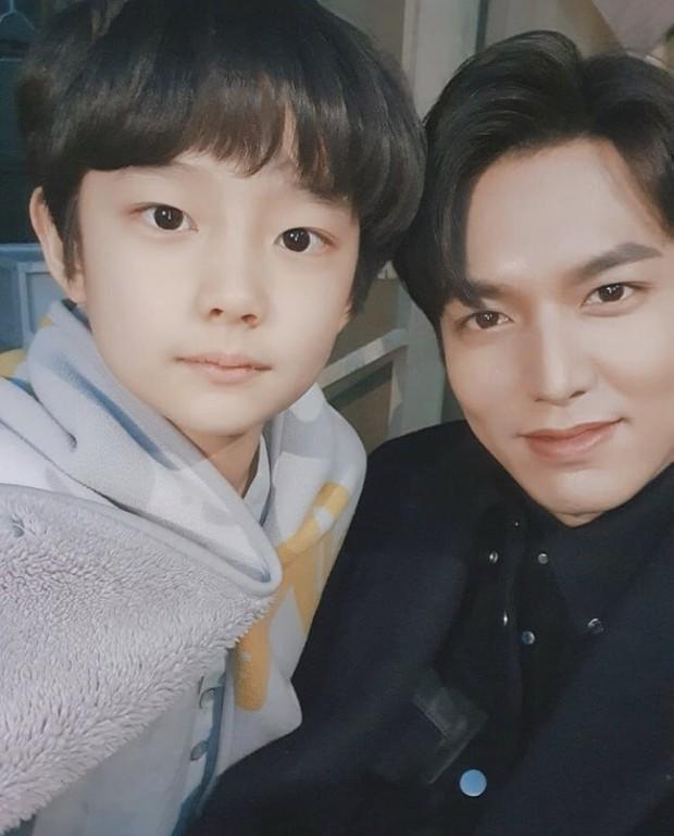 Phát sốt với profile con trai Lee Bo Young ở Mine: Diễn xuất cực đỉnh, 10 tuổi đã có phim thắng Oscar - Ảnh 6.