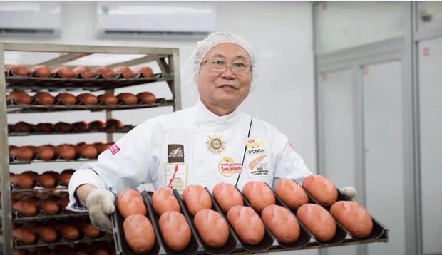 Vua bánh mỳ Thanh Long Kao Siêu Lực gửi tấm lòng vào tâm dịch - Ảnh 1.