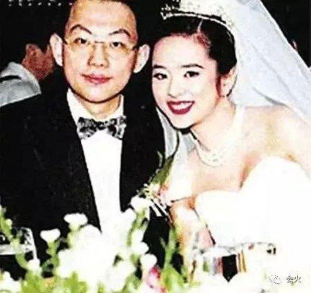 Diệp Uẩn Nghi: Biểu tượng nhan sắc Hong Kong chạy theo đại gia, bị cả nhà chồng khinh miệt và cái kết đắng sau 5 năm - Ảnh 5.