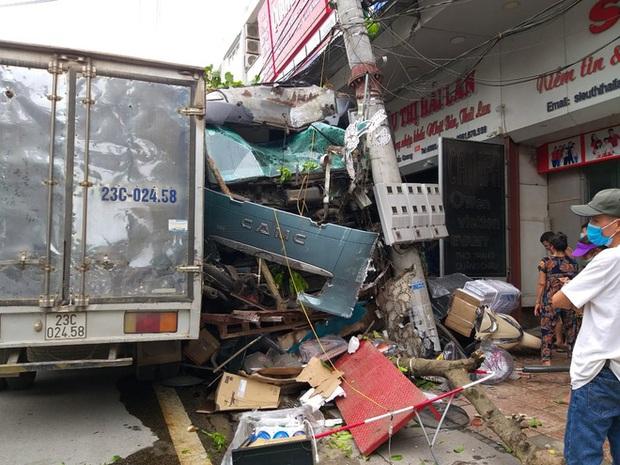 Tài xế container đánh lái cứu 2 người, tông vào nhiều nhà dân xin dừng nhận tiền hỗ trợ - Ảnh 5.