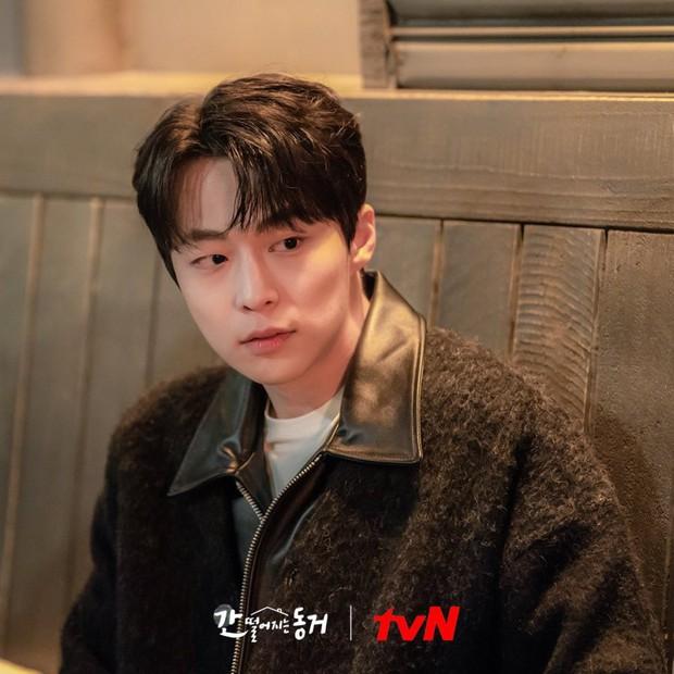 Netizen ngất lịm trước dàn trai đẹp xoay quanh Hyeri ở Bạn Cùng Phòng Là Gumiho - Ảnh 10.
