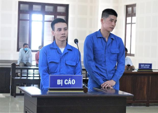 Rủ nhau vận chuyển hàng cấm, 2 thanh niên chia 33 năm tù - Ảnh 1.