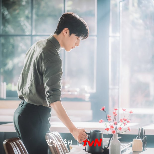 Netizen ngất lịm trước dàn trai đẹp xoay quanh Hyeri ở Bạn Cùng Phòng Là Gumiho - Ảnh 6.