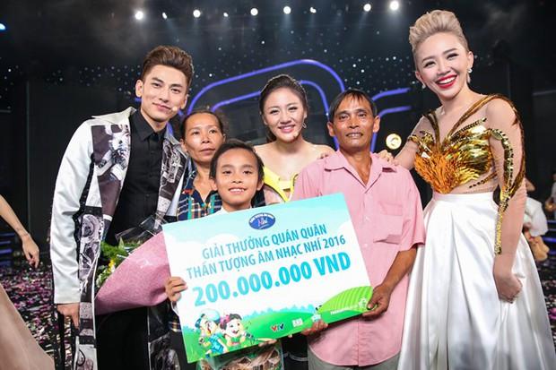 Phi Nhung giải thích lý do giữ 200 triệu đồng tiền thưởng quán quân của Hồ Văn Cường suốt 5 năm, netizen đồng loạt có chung 1 quan điểm! - Ảnh 2.