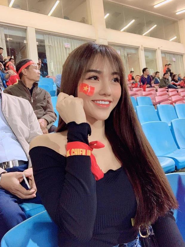 Hội cầu thủ Việt thật khéo chọn nửa kia, không chỉ xinh đẹp mà còn đảm đang mất phần thiên hạ - Ảnh 15.
