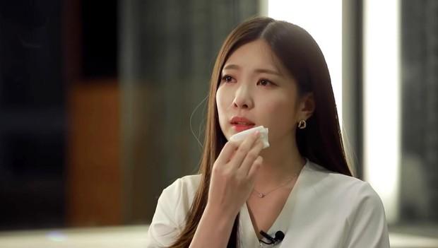 Nạn nhân lớn nhất lịch sử cuộc thi idol Kpop: Bị gian lận vote từ hạng 1 thành 11, phải làm phục vụ quán cà phê vì âm mưu - Ảnh 2.
