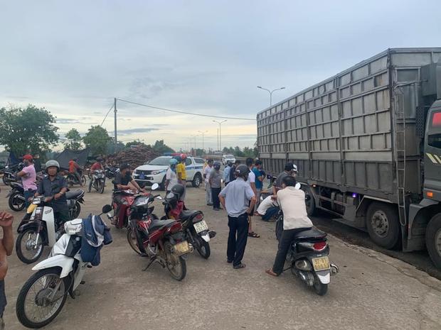 Nam công nhân bị xe tải tông chết thảm trên đường đi làm, bỏ lại vợ và 2 con nhỏ - Ảnh 2.
