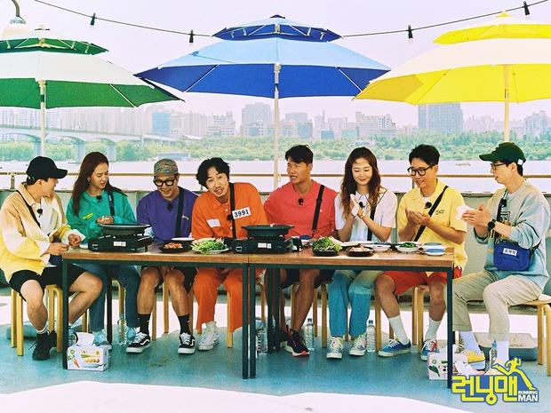Bộ ảnh xúc động, đẹp như mơ của Lee Kwang Soo trong tập cuối ghi hình Running Man - Ảnh 4.