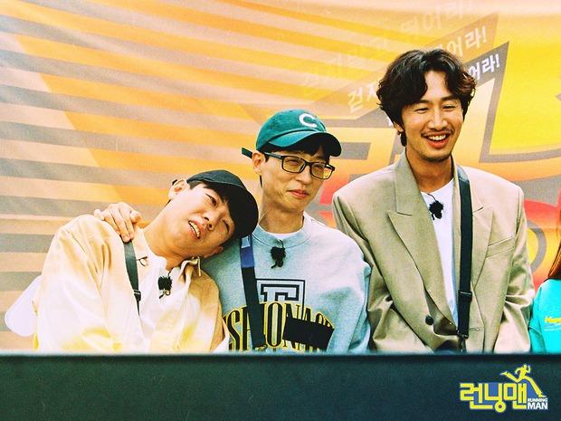Bộ ảnh xúc động, đẹp như mơ của Lee Kwang Soo trong tập cuối ghi hình Running Man - Ảnh 7.