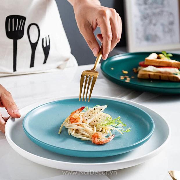 Nấu bữa nào bữa nấy xịn xò như Lan Khuê với loạt bát đĩa siêu đẹp nhìn là biết gia chủ có gu thẩm mỹ - Ảnh 7.