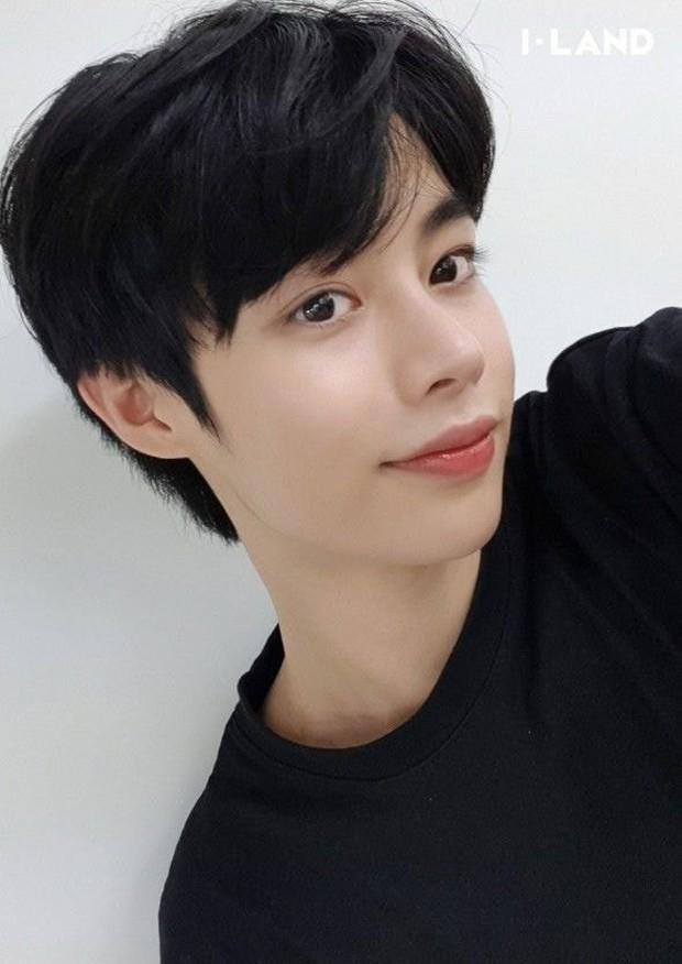 Knet ngỡ ngàng trước tin trainee Việt Hanbin sắp debut, khen giống đàn em BTS nhưng tên khó đọc quá! - Ảnh 2.