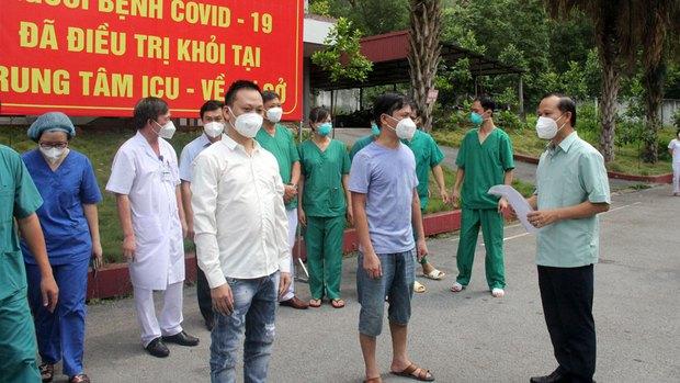 Gần 600 bệnh nhân COVID-19 ở Bắc Giang được xuất viện - Ảnh 1.
