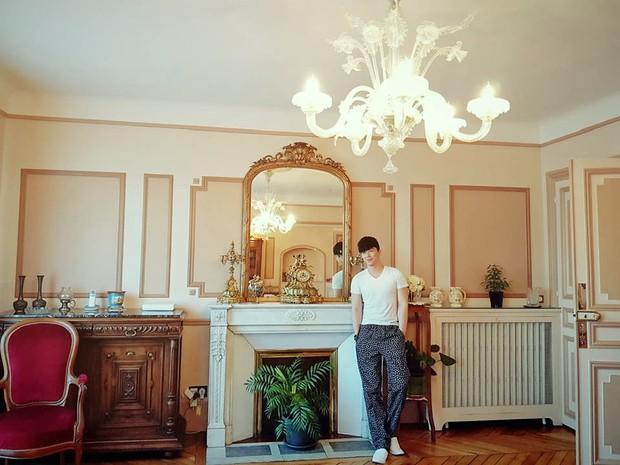 Nathan Lee nhớ nhà quá tiện khoe luôn nội thất khách sạn 2 nghìn tỷ ở Pháp, choáng váng vì mọi ngóc ngách tráng lệ như cung điện - Ảnh 10.