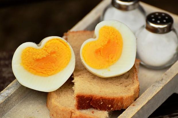 8 loại thực phẩm không nên hâm nóng bằng lò vi sóng vì gây hại cho sức khỏe và làm tăng nguy cơ ung thư - Ảnh 2.
