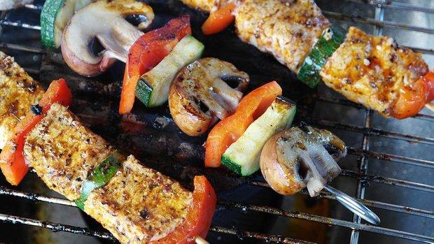8 loại thực phẩm không nên hâm nóng bằng lò vi sóng vì gây hại cho sức khỏe và làm tăng nguy cơ ung thư - Ảnh 4.