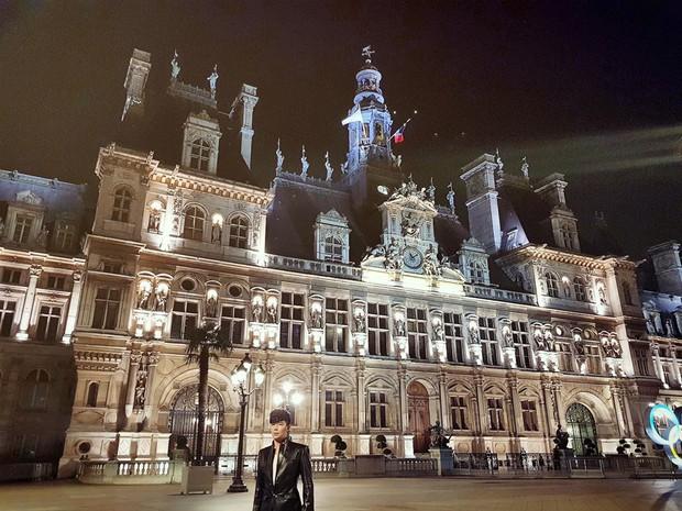 Nathan Lee nhớ nhà quá tiện khoe luôn nội thất khách sạn 2 nghìn tỷ ở Pháp, choáng váng vì mọi ngóc ngách tráng lệ như cung điện - Ảnh 12.