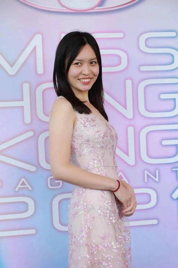 Vòng sơ tuyển chưa từng có trong lịch sử cuộc thi Hoa hậu: Thí sinh nhan sắc đã tệ lại còn khác xa ảnh đăng ký trên mạng - Ảnh 13.